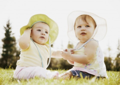 cute-babies-friends-480x339