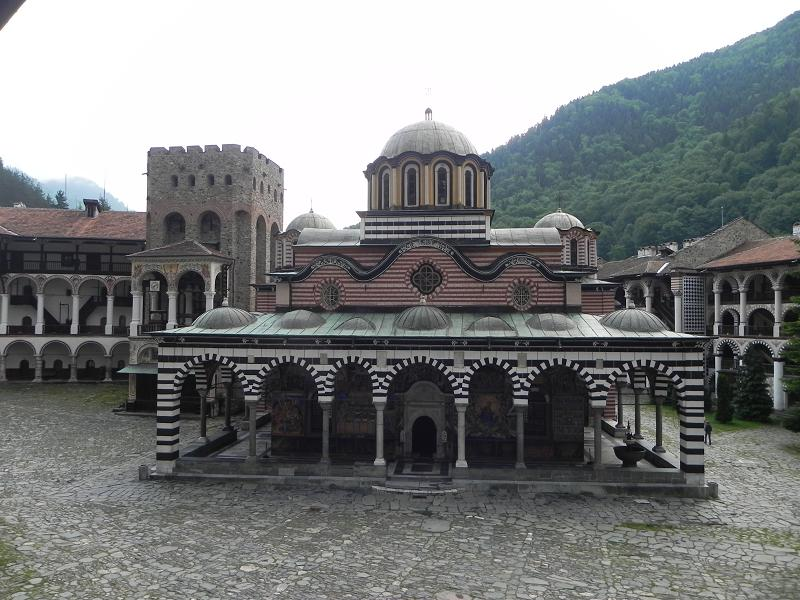 Imagini pentru mănăstirea rila bulgaria